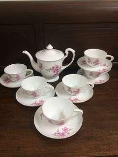 Teapot Set Bunga Sakura