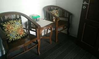 1 Set kerusi kayu (Jati) beserta meja bulat