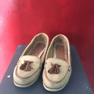 Sperry Nude Size 6