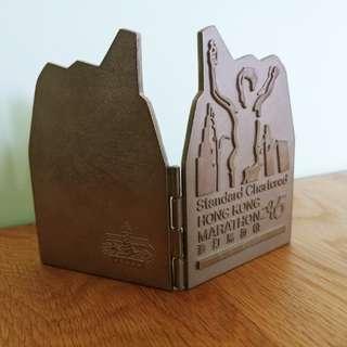 出售二手2005渣記馬拉松紀念品ㄧ件,售ㄧ百元,有意請pm我,謝謝!