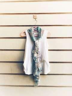 Cute floral & white blouse