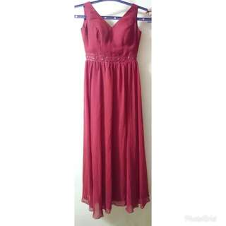 For rent: Maroon gown