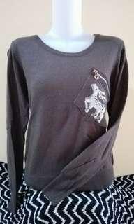 Sweater detail rusa