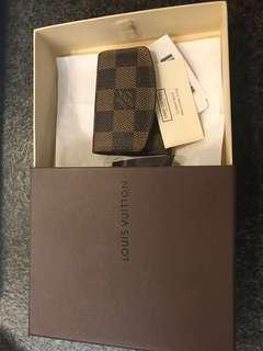 Louis Vuitton 袖口褸袋
