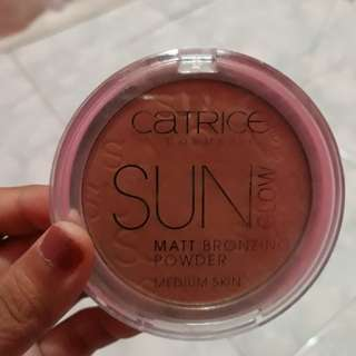 Catrice Sun Glow Mat Bronzing Powder Medium Skin