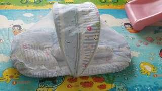 prelove new born bed & baby crip