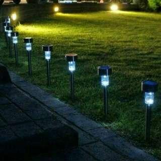 Lampu taman solar cell
