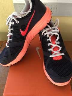 Pre Loved Nike Womens Rubber Shoes