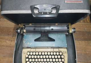 Smith Corona 1960's Typewriter
