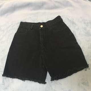 挺版 牛仔褲材質 黑色五分褲