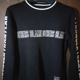 Dijual sweater Pull & Bear.