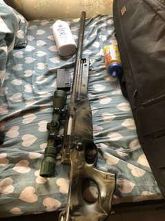 Awp狙擊槍 連槍袋彈格兩個