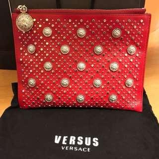 🚚 VERSUS 紅色重五金小包 可手拿可肩背!降價!