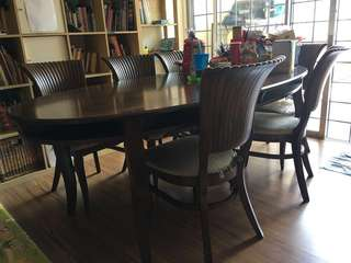 Dining Table and 6 Cushioned Chairs