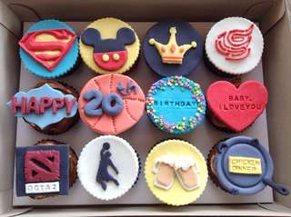 Customized Fondant Cupcakes