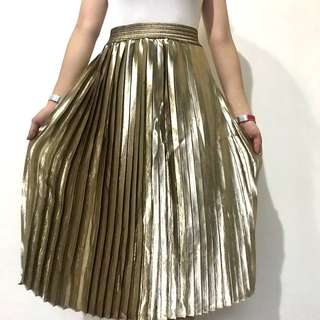 Unwanted gift classy gold skirt brand new fits waist23-26 selling low