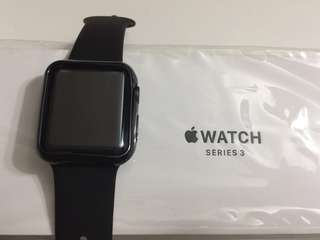 Apple Watch series 3 - 38mm (99.99% new)