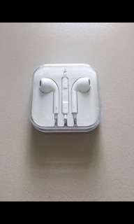BNIB sealed Apple Earpods earpiece