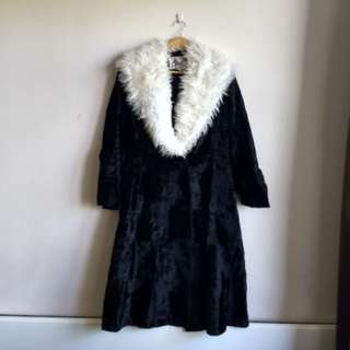 Black Velvet Coat w Faux Fur Collar
