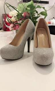 🚚 銀色高根婚鞋