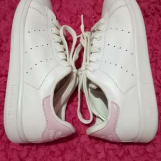 Repriced!! Adidas Stan Smith Size6