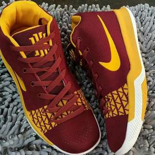 Kyrie Irving Shoe (replica)