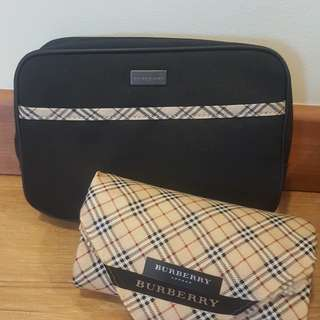 Brand NEW original Burberry Pouch and Scarf Giftbox