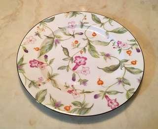 Floral pattern Fine Bone China Plates (10 pcs available)