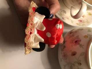 Disney jepitan topi minnie