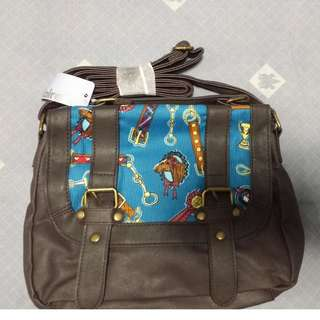 全新 Claries Horse Print Crossbody 馬圖案 斜揹袋