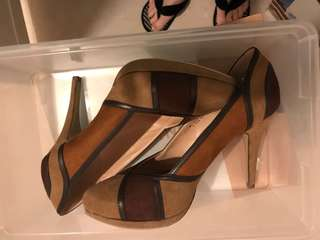 Brown Colour-Blocked Heels