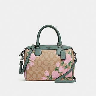 MINI BENNETT SATCHEL WITH CAMO ROSE FLORAL PRINT COACH F25870