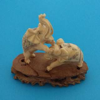 Vintage Elaborate Collectibles Handmade Decorated Exquisite Cow Bone Carving Miniature Elephants Figurine