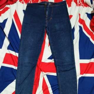 Celana jeans size 28 besar