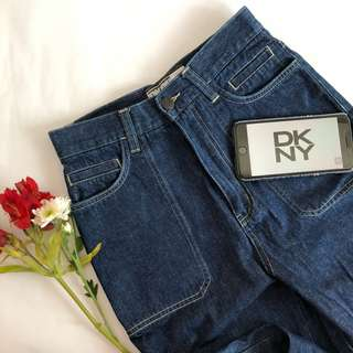 AUTHENTIC DKNY MOM JEANS