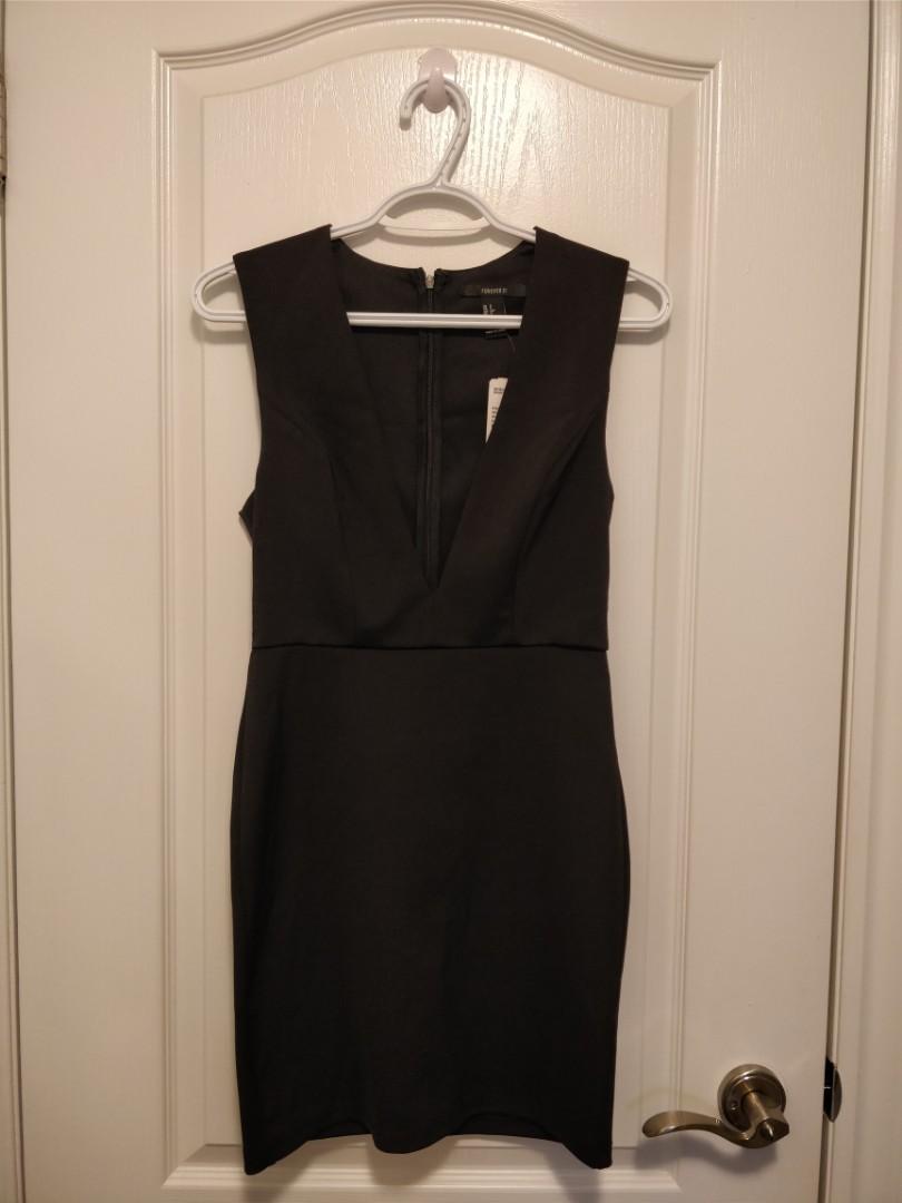 BNWT F21 Black Bodycon Dress with Deep V (S/Black)