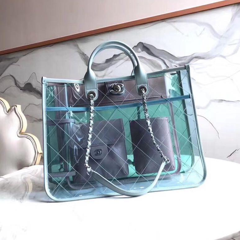 9a176367388cb Carousell의 Chanel transparent tote bag ss18