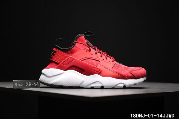competitive price 10494 91a07 Nike Air Huarache Run Ultra, Sports, Athletic   Sports Clothing on ...