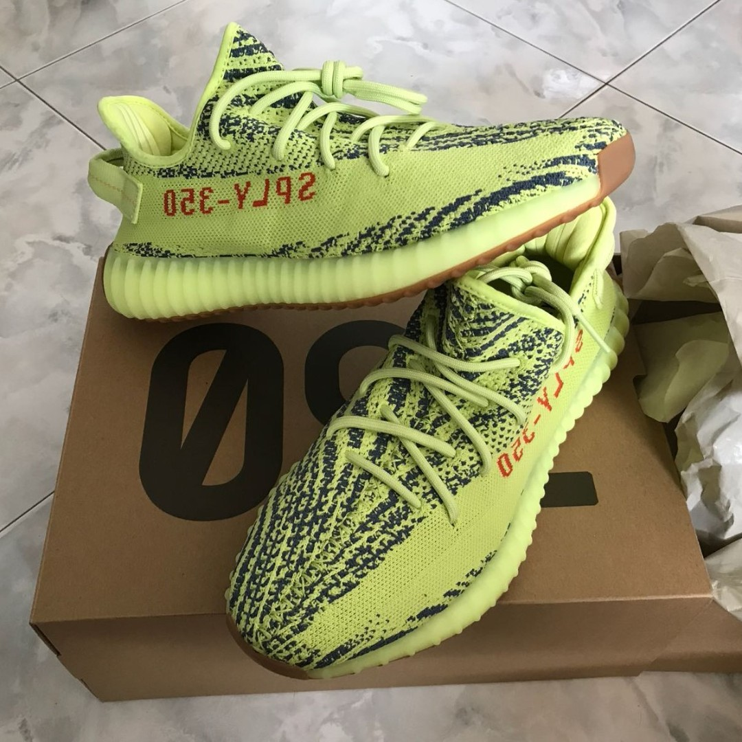 040a96a89ae16 US 10  adidas Yeezy Boost 350 V2 Semi Frozen Yellow