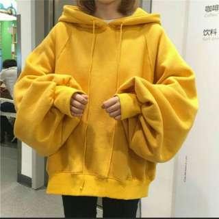 🚚 黃色大寬袖帽踢