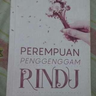 Novel Perempuan Penggenggam Rindu-Tia Setiawati