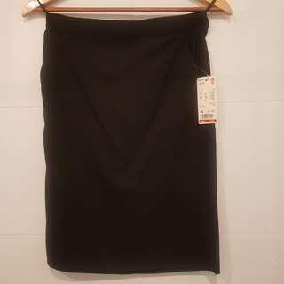 Uniqlo Straight Black Skirt