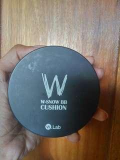 W Lab Cushion