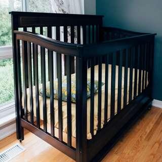 Delta Broadway Crib