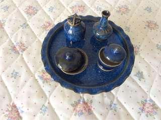 Mini ceramic display set