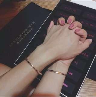 DW Couple Cuffs