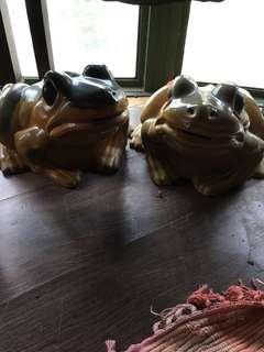Vintage frog