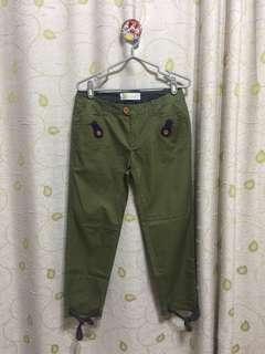 à la sha綠色褲褲