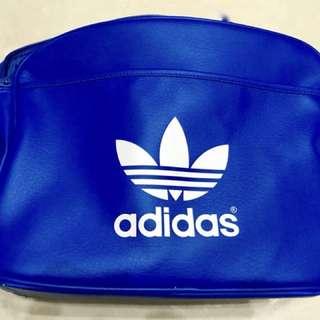 Adidas防水側背包 正版 全新