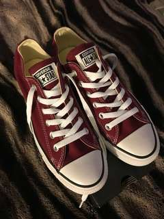 Converse Low Top Burgundy